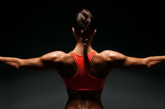 5 rutinas de ejercicio para hacer en casa y deshacerte de la flacidez de los brazos