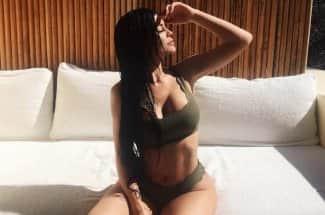 Te revelamos el secreto de Kylie Jenner para tener un abdomen de impacto