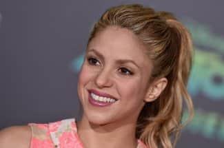 Shakira estrena nuevo y radical cambio de look para su próximo video clip
