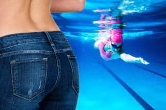 Así es como la natación te ayuda a eliminar la grasa de las caderas
