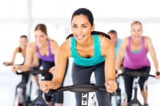 Tips básicos para bajar de peso haciendo spinning