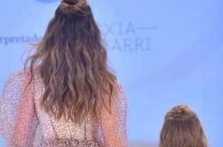 La pequeña hija de Camila Sodi y Diego Luna debutó en la pasarela ¡y es adorable!