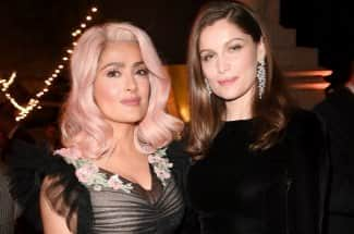 Salma Hayek presume una cabellera rosa en el Festival de Cannes