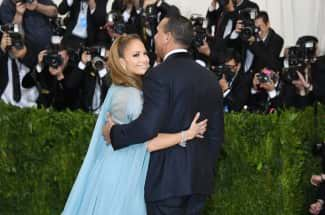 Enamorada y feliz, Jennifer López compartió una tierna imagen junto a Alex Rodriguez