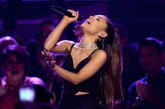 Así es como han homenajeado a Ariana Grande y las víctimas del ataque en Manchester