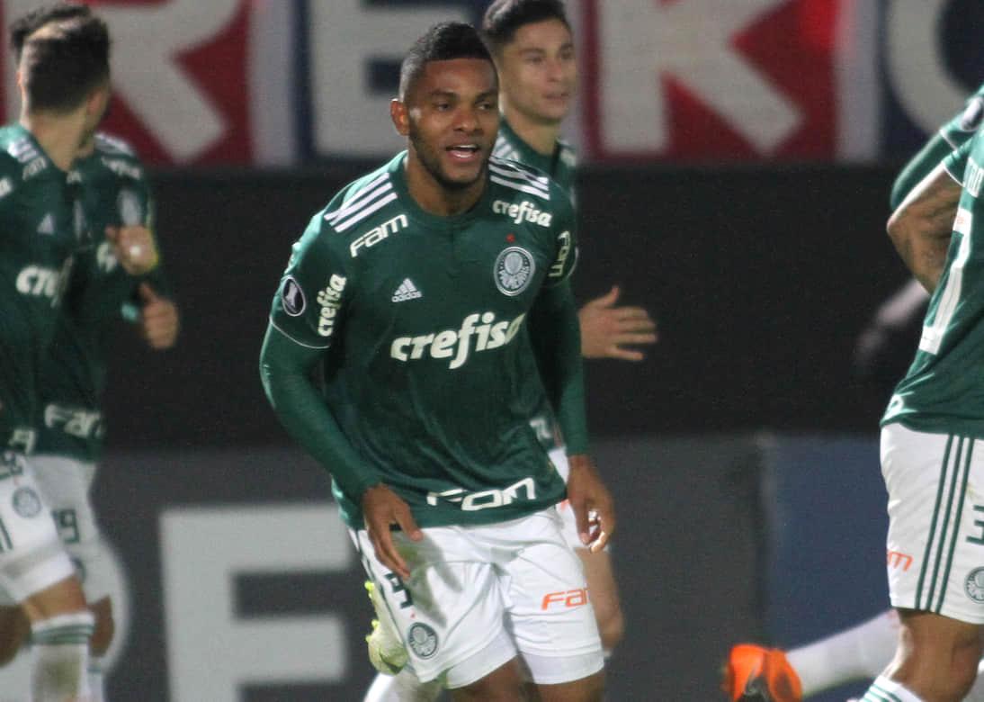 Video: El jugador juvenil del Palmeiras que molestó a Miguel Borja en un entrenamiento