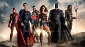 DC finalmente nombre a su marca de películas - Comic-Con 2018