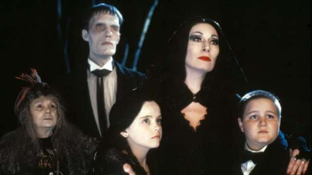 Los Locos Addams: Tim Burton trabaja en una nueva serie live-action de esta peculiar familia